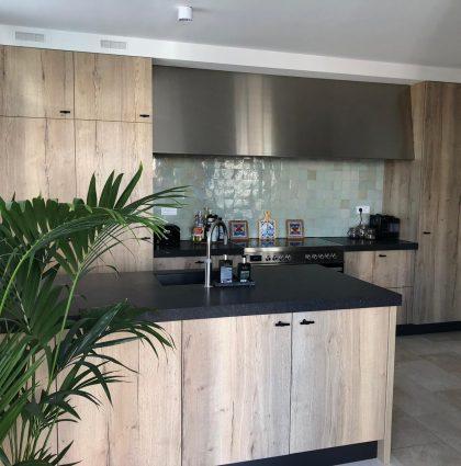 Keuken gemaakt van Feelwood